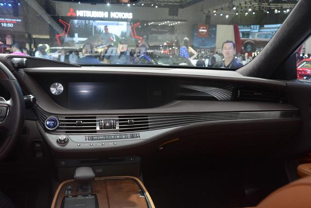Khám phá Lexus LS 500h 2018, ngập tràn công nghệ, thiết kế đẹp mắt, tiết kiệm nhiên liệu - Ảnh 13.