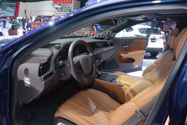 Khám phá Lexus LS 500h 2018, ngập tràn công nghệ, thiết kế đẹp mắt, tiết kiệm nhiên liệu - Ảnh 10.