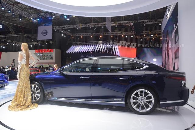 Khám phá Lexus LS 500h 2018, ngập tràn công nghệ, thiết kế đẹp mắt, tiết kiệm nhiên liệu - Ảnh 2.