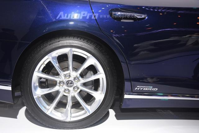Khám phá Lexus LS 500h 2018, ngập tràn công nghệ, thiết kế đẹp mắt, tiết kiệm nhiên liệu - Ảnh 9.
