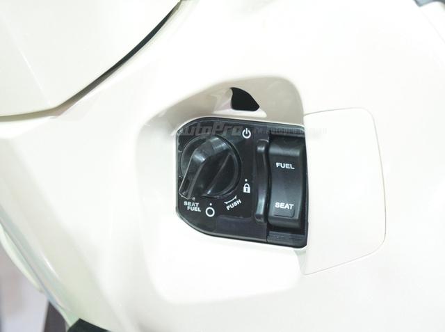 Honda Lead 2017: Tiết kiệm xăng hơn, có khóa thông minh giống   Honda SH - Ảnh 4.