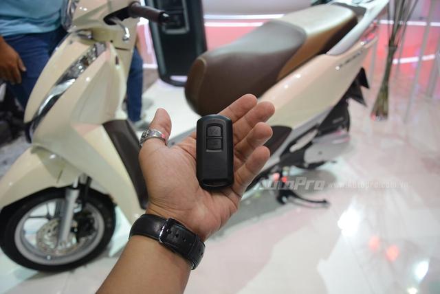 Honda Lead 2017: Tiết kiệm xăng hơn, có khóa thông minh giống   Honda SH - Ảnh 5.