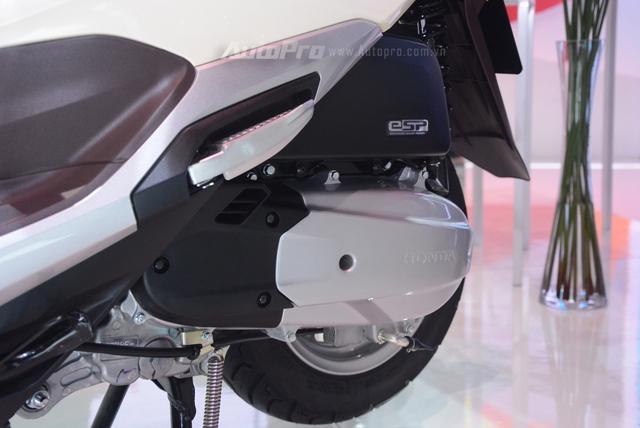 Honda Lead 2017: Tiết kiệm xăng hơn, có khóa thông minh giống   Honda SH - Ảnh 14.