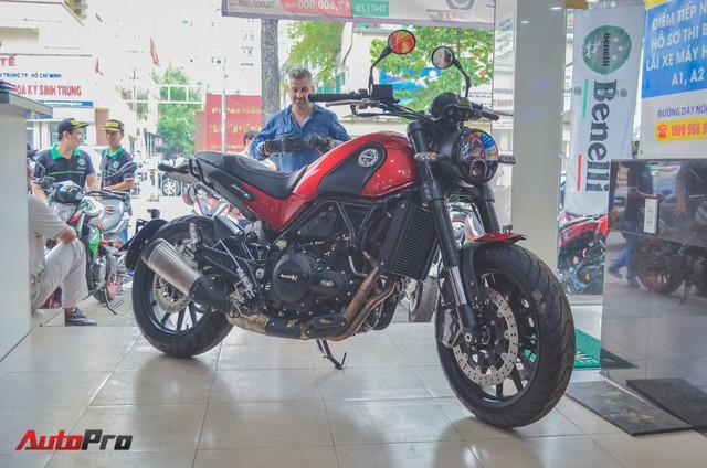 Chi tiết Benelli Leoncino rẻ bằng một nửa Ducati Scrambler Sixty2 vừa về Việt Nam - Ảnh 2.