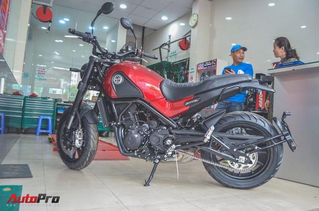 Chi tiết Benelli Leoncino rẻ bằng một nửa Ducati Scrambler Sixty2 vừa về Việt Nam - Ảnh 3.