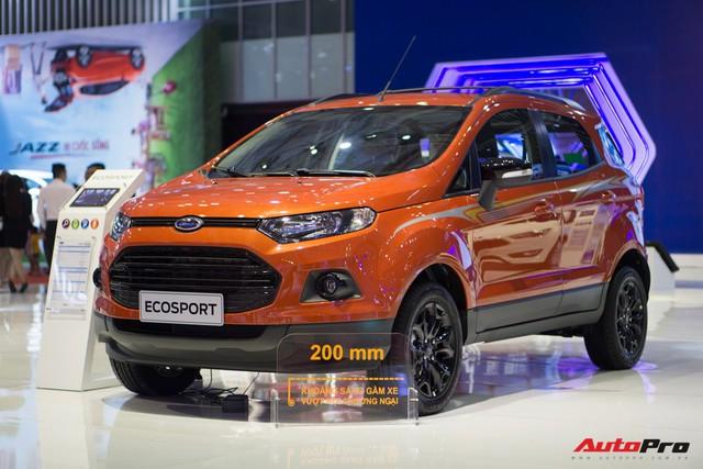 Sau Toyota, Ford Việt Nam giảm giá hàng loạt xe lắp ráp - Ảnh 1.