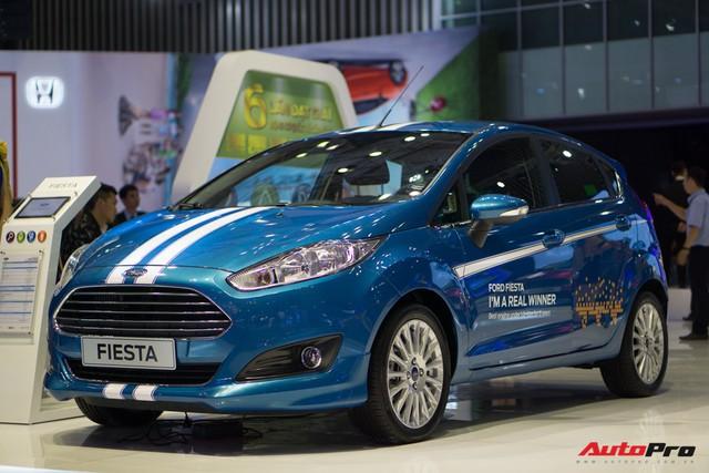 Sau Toyota, Ford Việt Nam giảm giá hàng loạt xe lắp ráp - Ảnh 2.