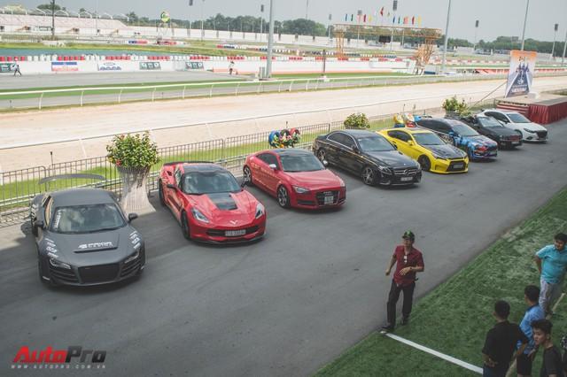 Dàn xe thể thao đa sắc màu đua tốc độ tại Đại Nam - Ảnh 1.