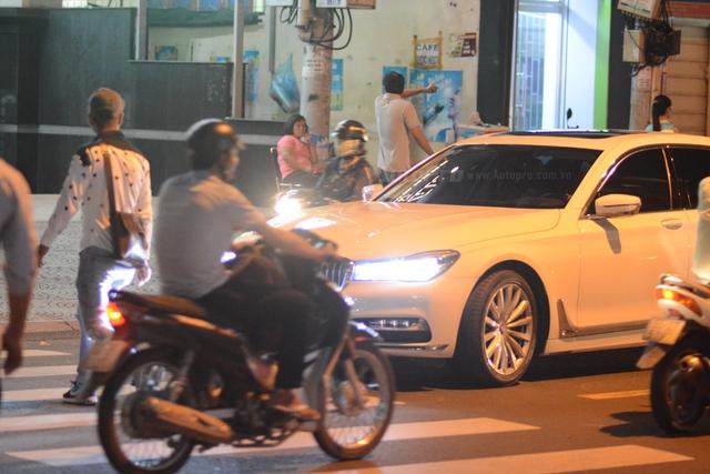 Phan Thành đến dự đám cưới Hoa hậu Thu Thảo trên BMW 740Li 2016 - Ảnh 3.