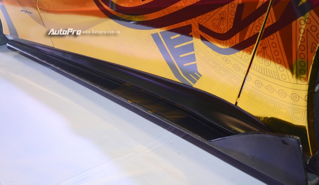 Ferrari F12 Berlinetta từng của Cường Đô-la được hóa thành ngựa vàng trưng bày tại VIMS 2017 - Ảnh 9.
