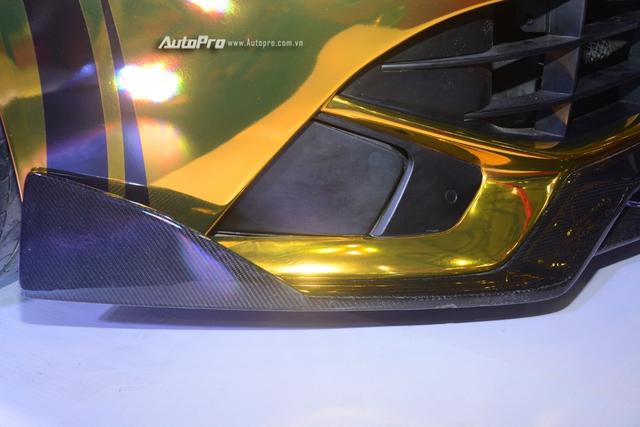 Ferrari F12 Berlinetta từng của Cường Đô-la được hóa thành ngựa vàng trưng bày tại VIMS 2017 - Ảnh 8.
