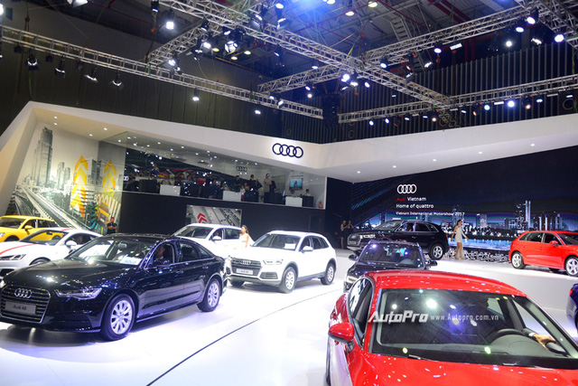Á hậu Dương Tú Anh khoe nhan sắc lộng lẫy tại gian hàng Audi - Ảnh 15.