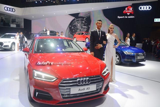 Á hậu Dương Tú Anh khoe nhan sắc lộng lẫy tại gian hàng Audi - Ảnh 12.