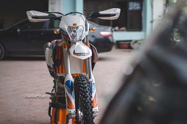 Ngắm nhìn cào cào KTM giá gần 400 triệu Đồng tại Hà Nội - Ảnh 3.
