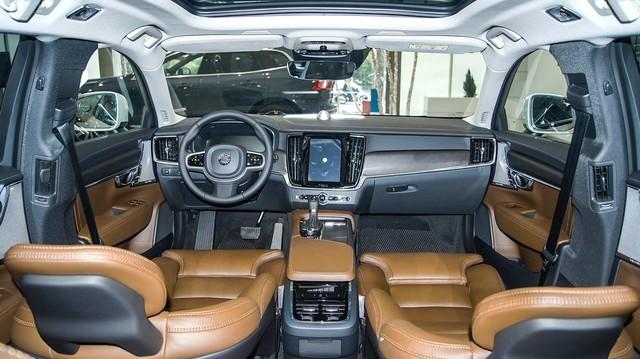 Wagon hạng sang Volvo V90 2018 đầu tiên về Việt Nam, chưa có giá bán - Ảnh 4.