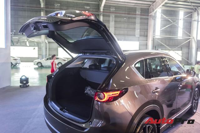 Chi tiết Mazda CX-5 2018 bán ra tháng 12, giảm giá tháng 1/2018 - Ảnh 10.