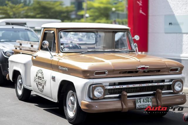 Chiêm ngưỡng dàn xe bán tải cổ của dân chơi Thái Lan - Ảnh 1.
