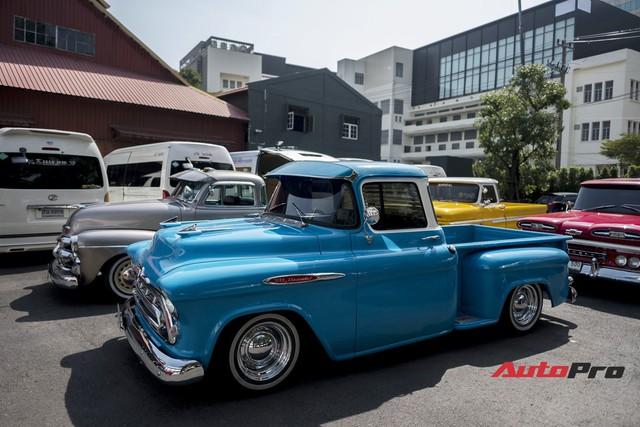 Chiêm ngưỡng dàn xe bán tải cổ của dân chơi Thái Lan - Ảnh 12.