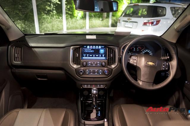 Cận cảnh Chevrolet Colorado Centennial về Việt Nam cuối tháng 11, số lượng 100 chiếc, giá 849 triệu và chỉ có màu trắng - Ảnh 10.