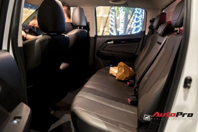 Cận cảnh Chevrolet Colorado Centennial về Việt Nam cuối tháng 11, số lượng 100 chiếc, giá 849 triệu và chỉ có màu trắng - Ảnh 11.