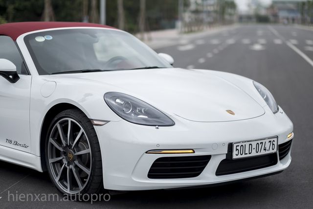 Cận cảnh Porsche 718 Boxster giá 4,5 tỉ đồng tại Việt Nam - Ảnh 2.