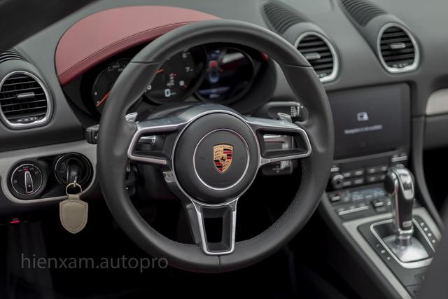 Cận cảnh Porsche 718 Boxster giá 4,5 tỉ đồng tại Việt Nam - Ảnh 12.