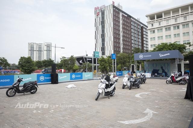 Triển lãm mô tô xe máy Việt Nam 2017 đêm trước ngày khai mạc - Ảnh 13.