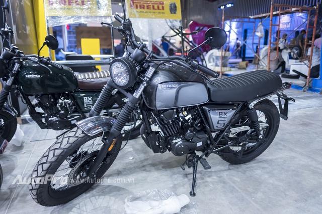 Triển lãm mô tô xe máy Việt Nam 2017 đêm trước ngày khai mạc - Ảnh 18.