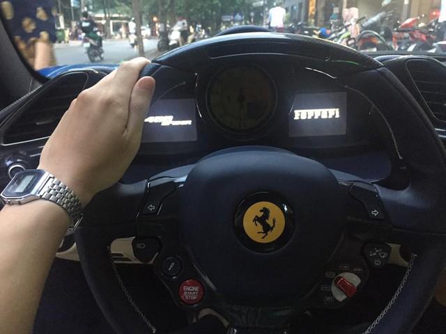 Cặp đôi Ferrari 488 mui trần đọ dáng cùng nhau trên phố Hà thành - Ảnh 10.