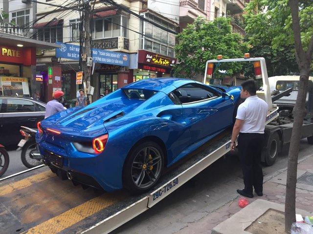 Cặp đôi Ferrari 488 mui trần đọ dáng cùng nhau trên phố Hà thành - Ảnh 1.