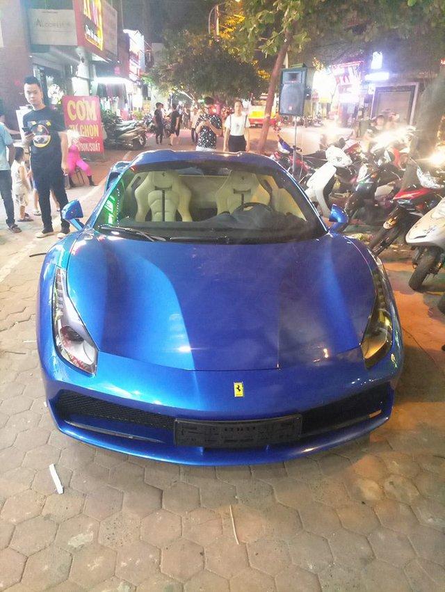 Cặp đôi Ferrari 488 mui trần đọ dáng cùng nhau trên phố Hà thành - Ảnh 6.