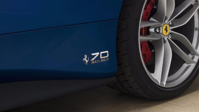 Siêu xe Ferrari 488 mui trần lại có ấn phẩm đặc biệt mới - Ảnh 7.