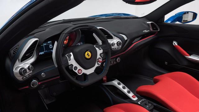 Siêu xe Ferrari 488 mui trần lại có ấn phẩm đặc biệt mới - Ảnh 5.