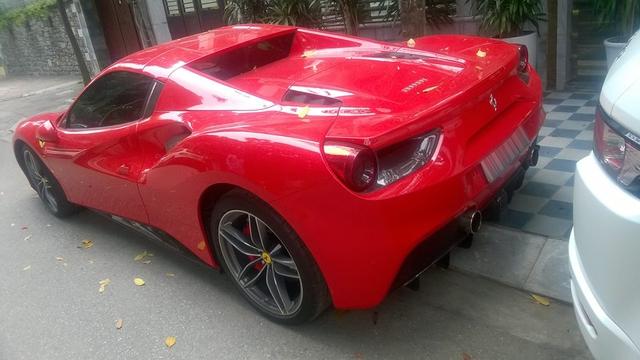 Ferrari 488 Spider đầu tiên tại Việt Nam được cho ra biển số - Ảnh 3.