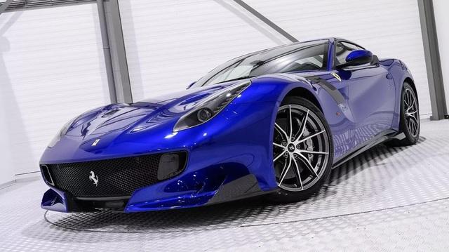 """Hàng hiếm Ferrari F12tdf sở hữu ngoại thất lạ mắt được rao bán với mức giá """"khóc thét"""""""