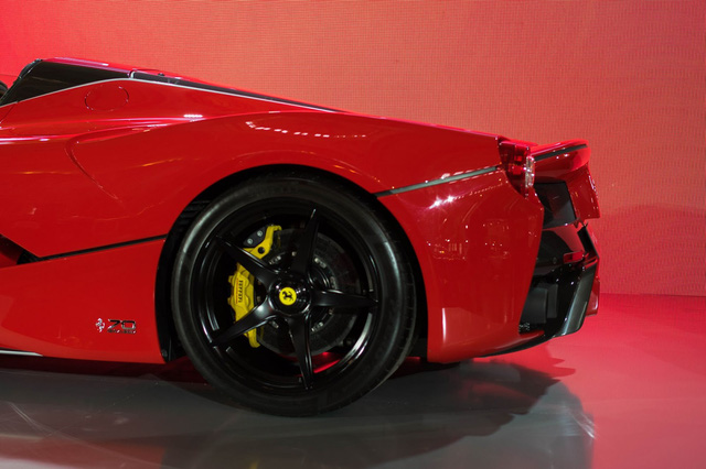 Siêu phẩm Ferrari LaFerrari Aperta ra mắt tại Úc - Ảnh 6.