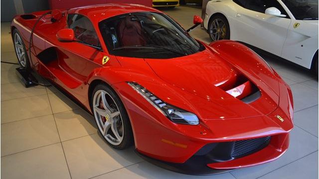 """Ngày càng nhiều Ferrari LaFerrari được rao bán với mức giá """"khóc thét"""""""