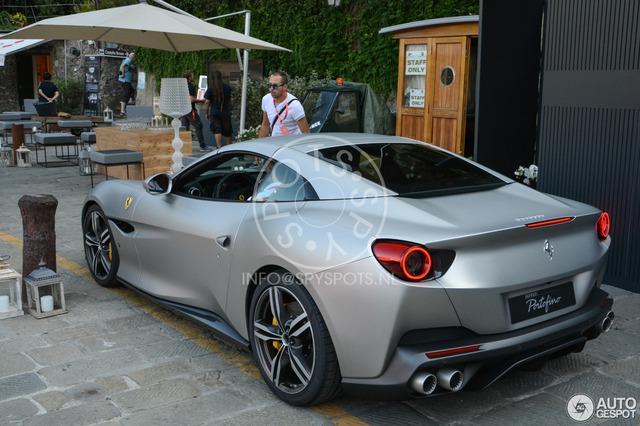 Siêu xe mui trần Ferrari Portofino được giới thiệu riêng cho các khách hàng VIP - Ảnh 5.