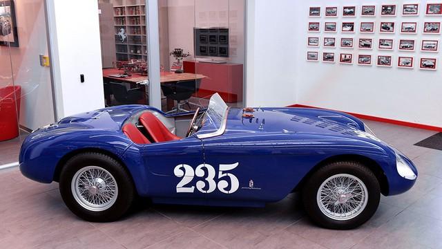 Siêu xe Ferrari 488 mui trần lại có ấn phẩm đặc biệt mới - Ảnh 2.