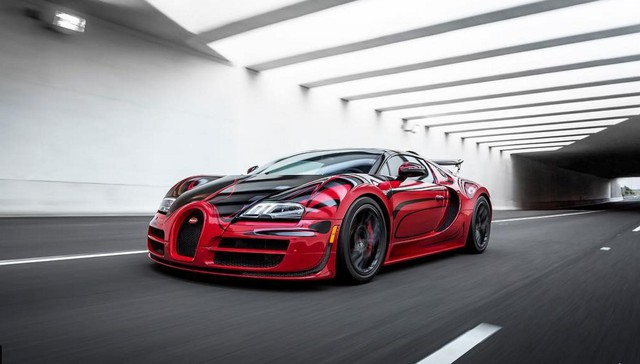 Hé lộ bộ sưu tập siêu xe cực khủng của chủ nhân chiếc Bugatti Chiron đang gây xôn xao mạng xã hội - Ảnh 2.