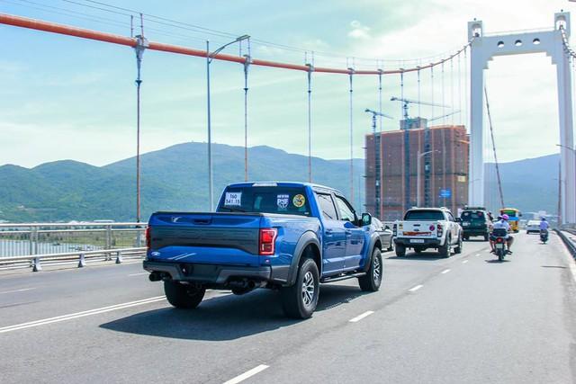 Khủng long Ford F-150 Raptor 2017 xuất hiện cùng hàng trăm mẫu bán tải ở Đà Nẵng - Ảnh 4.
