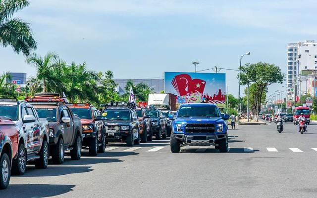 Khủng long Ford F-150 Raptor 2017 xuất hiện cùng hàng trăm mẫu bán tải ở Đà Nẵng - Ảnh 3.