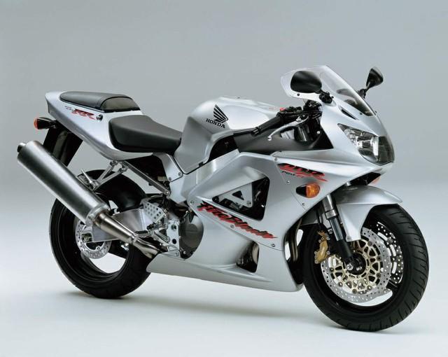 CBR900RR - Siêu mô tô nhẹ nhất trong lịch sử Honda - Ảnh 5.