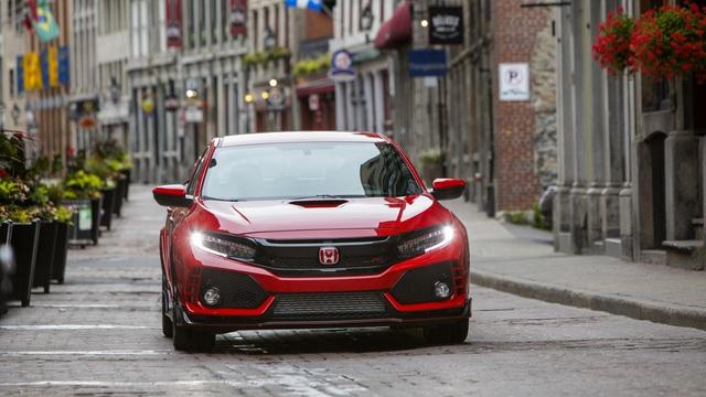 """Phiên bản mạnh nhất của dòng Honda Civic bị """"làm giá"""" gần gấp đôi"""