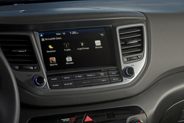 Đấu Mazda CX-5, Hyundai Tucson 2018 tăng phiên bản, bổ sung nhiều trang bị mới - Ảnh 1.