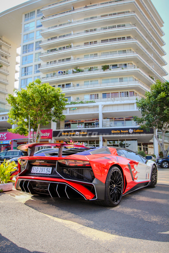 Cận cảnh bộ áo mới trên Lamborghini Aventador SV 32 tỷ Đồng của Minh Nhựa - Ảnh 4.