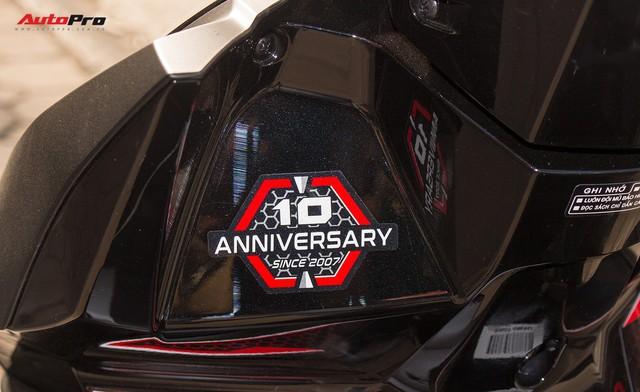 Cận cảnh Honda Air Blade 125 phiên bản kỉ niệm 10 năm giá 41,6 triệu đồng - Ảnh 6.