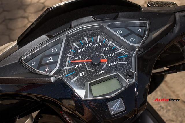Cận cảnh Honda Air Blade 125 phiên bản kỉ niệm 10 năm giá 41,6 triệu đồng - Ảnh 17.