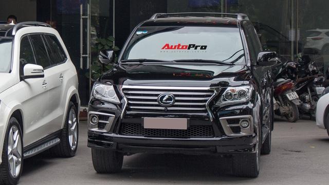 SUV hạng sang Lexus LX570 đi 2 năm bán lại giá 5,3 tỷ đồng tại Hà Nội