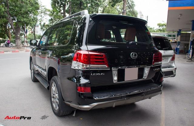 SUV hạng sang Lexus LX570 đi 2 năm bán lại giá 5,3 tỷ đồng tại Hà Nội - Ảnh 2.